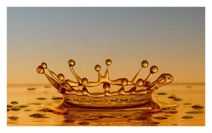 golden_crown_by_relhom-d4vytwb